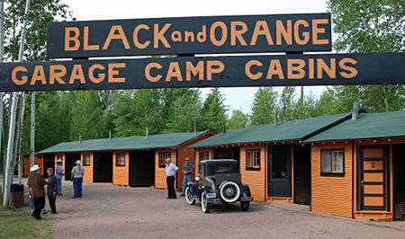 WY_RW_B&Orange sign